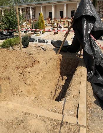 Selvazzano, macabro giallo in cimitero: tre scheletri senza nome