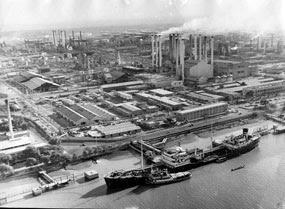 Raffinerie dAbadan vers 1950