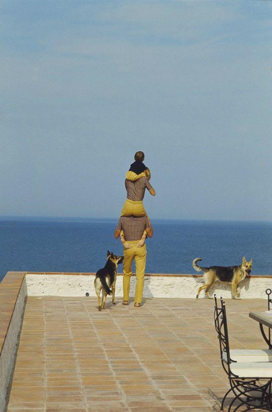 Alain Delon con Nathalie, Anthony y sus perros en Saint-Tropez ... Yo con Anthony y AJ, NuNu y Memphis en Saint Tropez :)