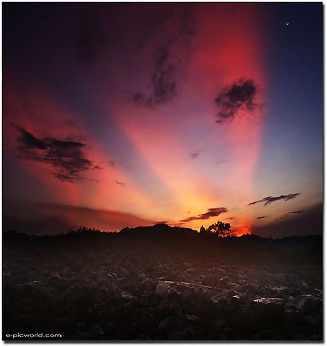 vertorama landscape - A few seconds colourful sky