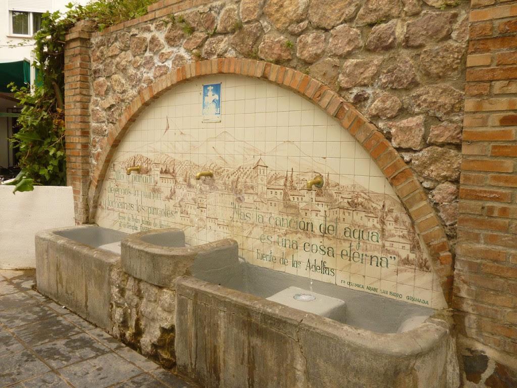 Fuente Lanjarón en La Alpujarra granadina