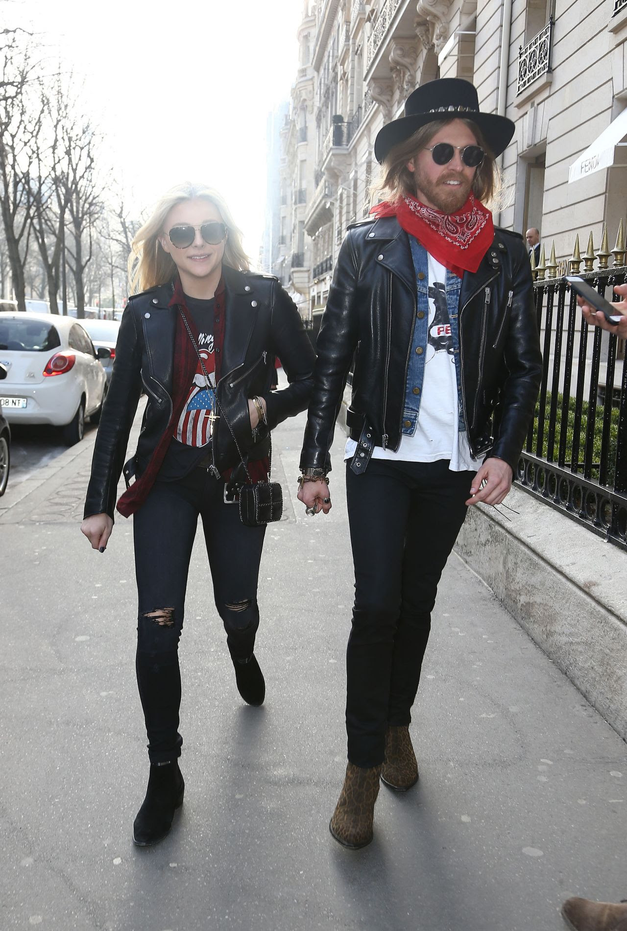 http://celebmafia.com/wp-content/uploads/2015/03/chloe-moretz-street-style-out-in-paris-march-2015_3.jpg