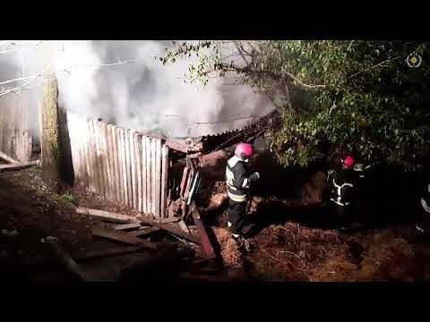 Incendiu devastator, într-o gospodărie din r.Cahul. Pompierii au luptat aproape trei ore cu focul