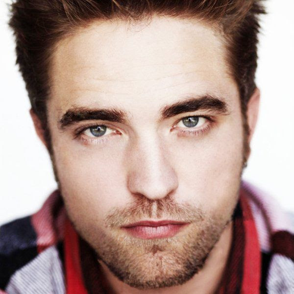 Robert Pattinson photo a_3x-square.jpg