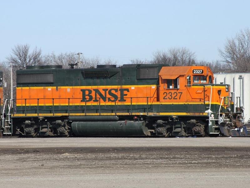 BNSF 2327 in Grand Forks