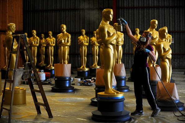 http://www2.pictures.zimbio.com/gi/Academy+Motion+Picture+Arts+Sciences+Oscar+jiwaTe-khOEl.jpg