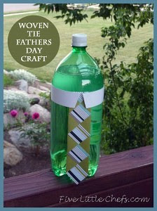 Need a quick fathers day craft? fivelittlechefs.com has a low cost, common supplies craft idea for kids. #fathers day craft