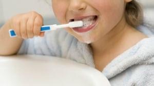 kids-brushing-teeth