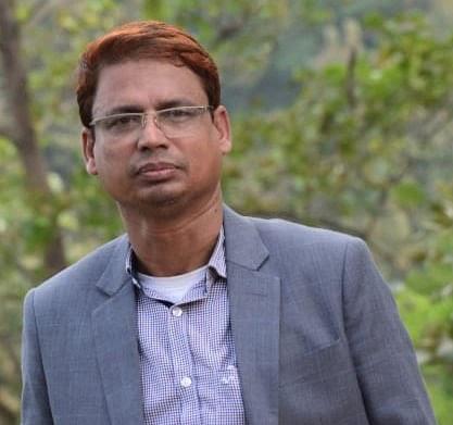 'সততা স্টোরের' প্রতিষ্টাতা শিক্ষক   শহিদুল পেলেন দেশসেরা শিক্ষকের স্বীকৃতি
