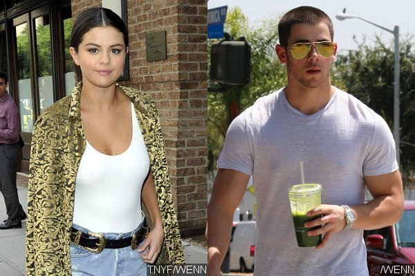 Exes Selena Gomez and Nick Jonas Have 'Little Awkward' Reunion