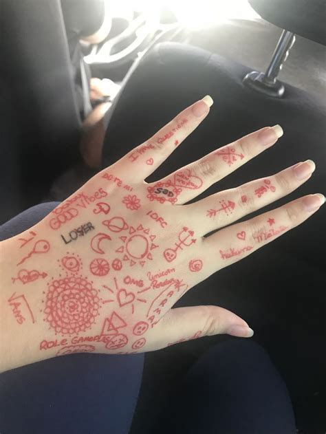 desenho aleatorio sharpie tattoos hand doodles