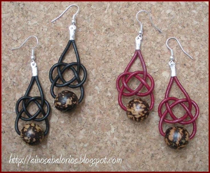Pendientes Josephine: realizados con cordón de cuero y semillas