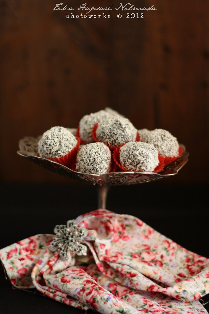 (Homemade) - Chocolate Prune Truffles