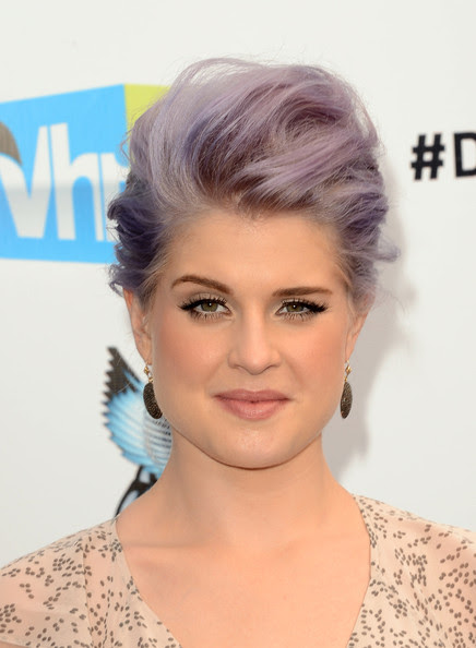 TV personality Kelly Osbourne arrives at the 2012 Do Something Awards at Barker Hangar on August 19, 2012 in Santa Monica, California.