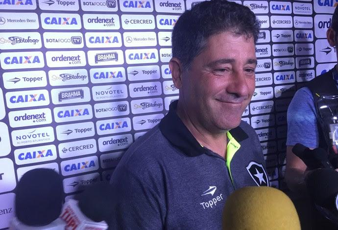 Emilio Faro, Botafogo (Foto: Thiago Lima)