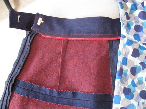 V1247 skirt waist inside