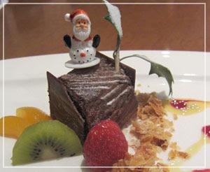 幕張「おりじん」にて、デザートはブッシュドノエル。めっちゃクリスマスでした。