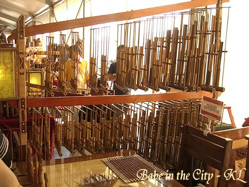 Man playing angklung