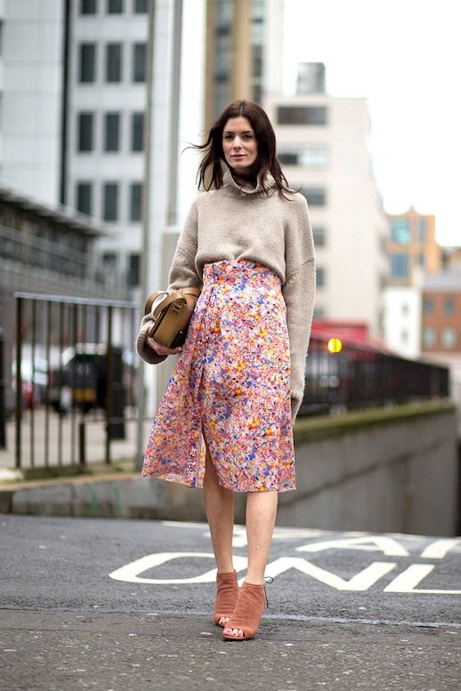 Le Fashion Blog Fall Street Style Lfw Beige Chunky Turtleneck Sweater Leather Bag High Waisted Floral Skirt Suede Booties Via Harpers Bazaar