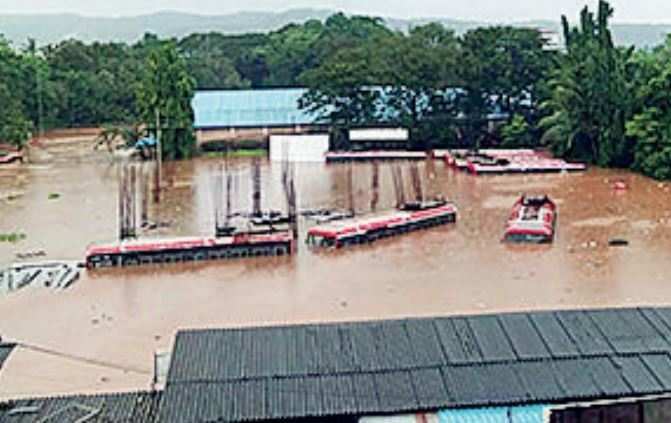 Amid flood, ST staff sat atop bus 9 hours with Rs 9 lakh