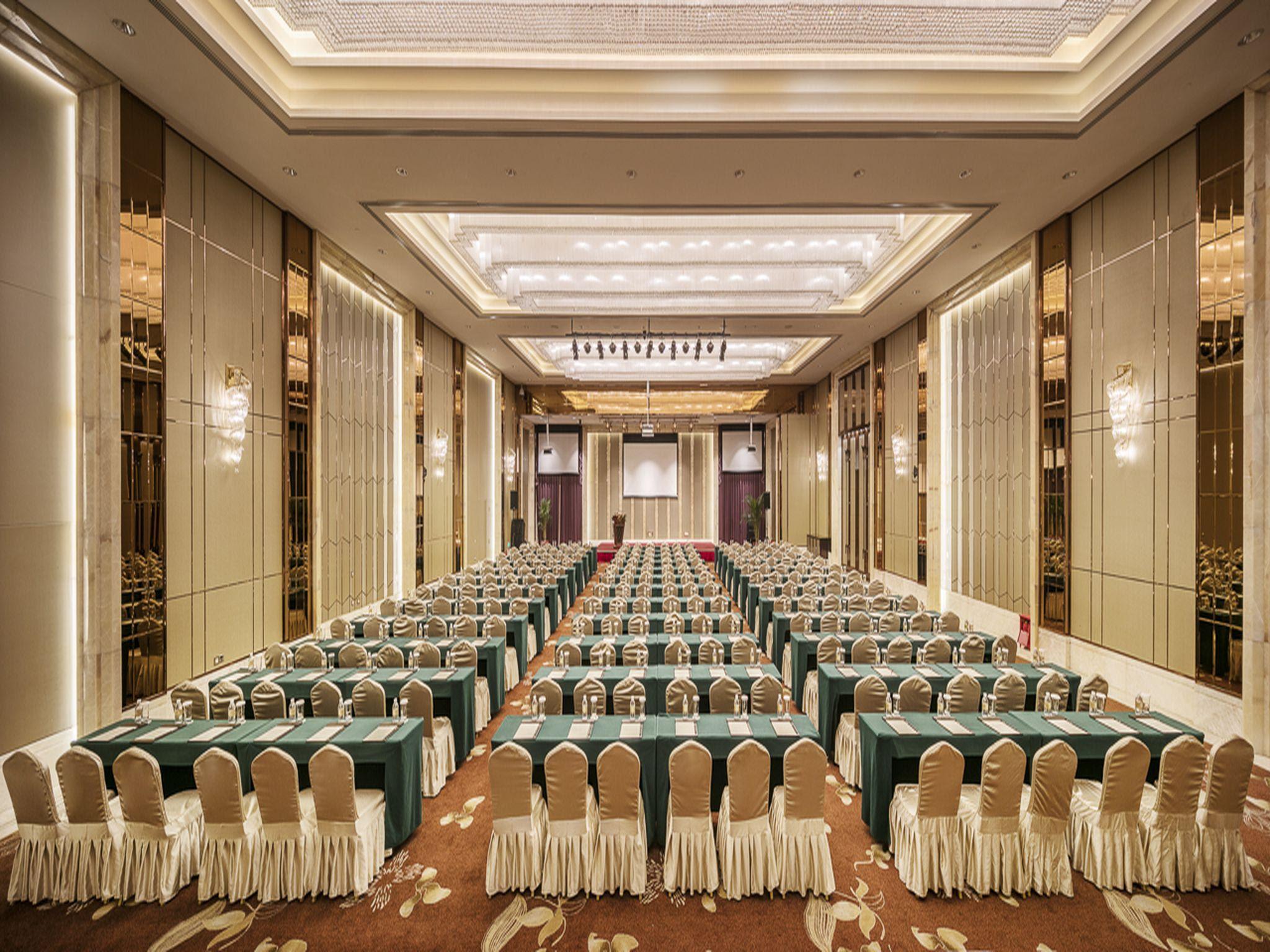 Royal Century Hotel Shanghai Discount