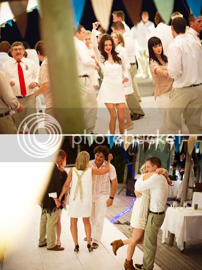 http://i892.photobucket.com/albums/ac125/lovemademedoit/welovepictures/StrandKombuis_Wedding_110.jpg?t=1324655229