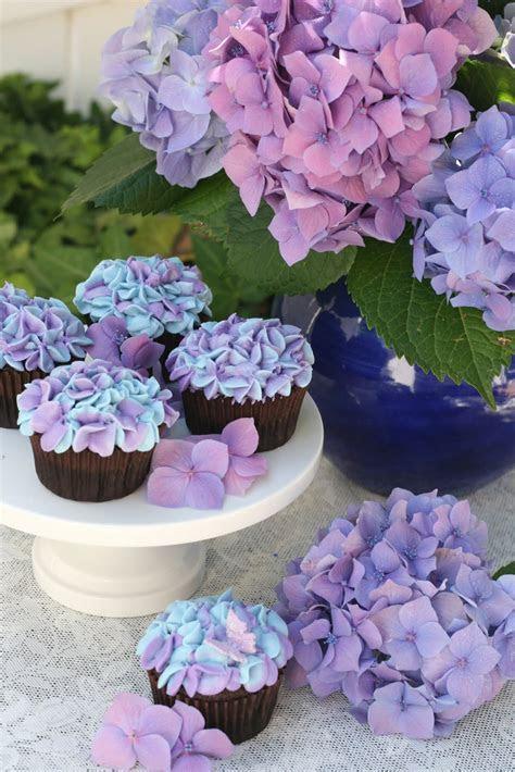 Hydrangea Cupcakes ? Glorious Treats