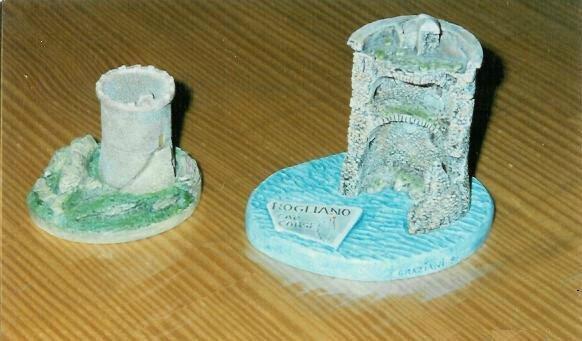 Monuments mini 02