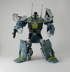 Transformers Onslaught Universe Ultra (by mdverde)