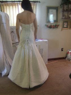 Pick the right wedding dress bustle for your bridal gown