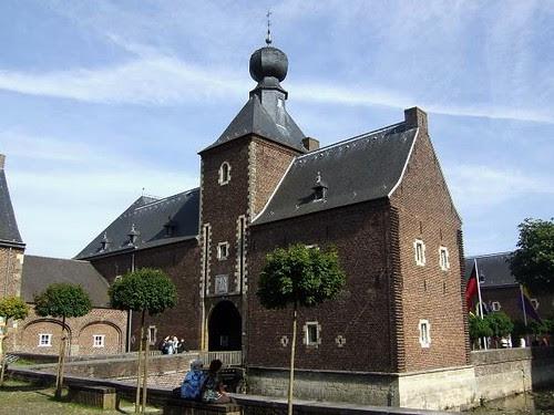 Hoensbroek Castle[2]
