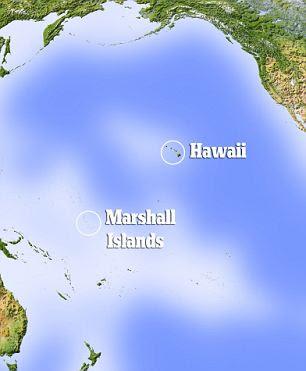 """Lançamento: A arma foi demitido do Hawaii, deslizou para o oeste ao sul através da atmosfera superior sobre """"velocidade hipersônica"""" a menos do Pacífico antes de bater sua meta no atol de Kwajalein, nas Ilhas Marshall - cerca de 2.500 quilômetros de distância"""