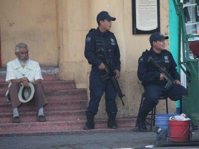 2.  Juárez, no México