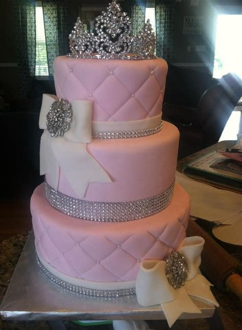 Best 25  Quinceanera cakes ideas on Pinterest   Quince