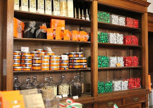 una libreria cioccolatosa tricolore