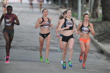 """<p>Competir en un maratón conlleva un enorme compromiso fisiológico de varios sistemas: respiratorio, cardiovascular y musculoesquelético./ <a href=""""https://www.flickr.com/photos/euthman/16126207188/in/photolist-pUNR6k-qz22yY-qz8pnK-qRqT5H-qz8nbx-qyX5MQ-pUNS7D-qz1UpC-pUNd18-qPgmbU-qPgGNq-qRvgnw-pUzjNy-qz9JEa-qz8qFD-qPfuAw-qRzEEP-qPhmJq-qRt4XS-qz1kNN"""" target=""""_blank"""">Ed Uthman</a></p>"""