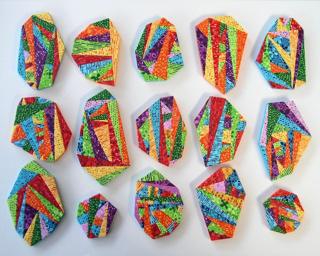 Geometric brooches 806