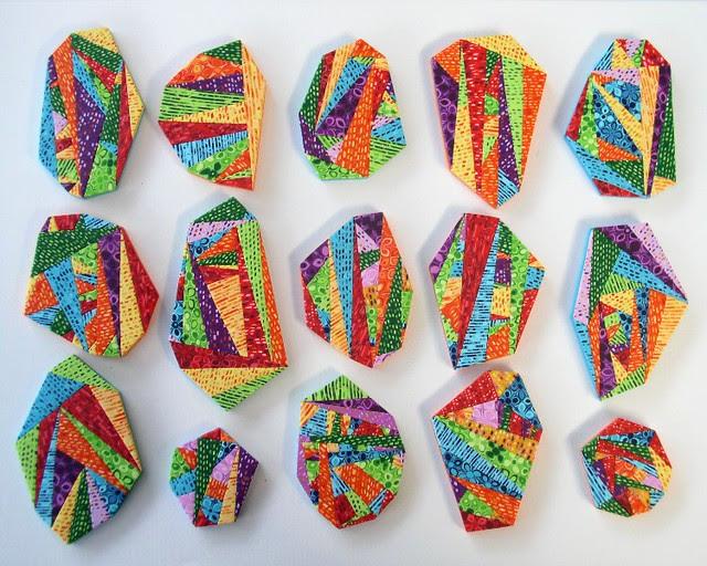 Geometric brooches 806