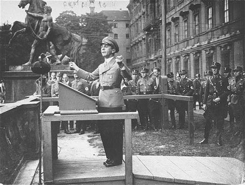 http://departments.kings.edu/history/20c/fascis6.jpg