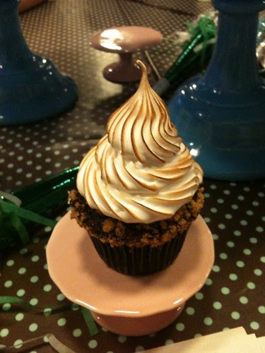 S'mores cupcake at our Trophy Cupcakes meetup!