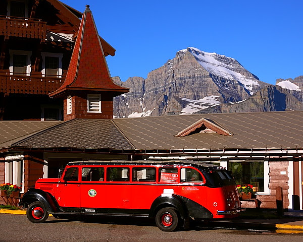 IMG_0167 Red Bus and Many Glacier Hotel