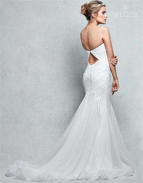 Stunning Wedding Dresses for Hourglass Figures   WED2B UK BLOG