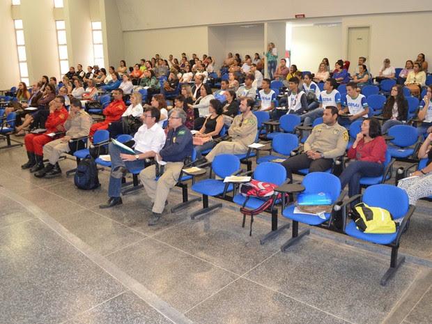 Servidores discutem como minimizar dados de acidentes de trânsito na Zona da Mata de RO (Foto: Magda Oliveira/G1)