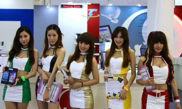 Booth Babes Computex 2014 (9)