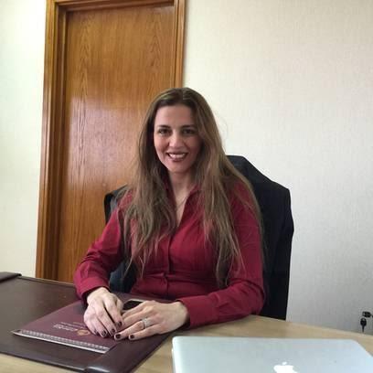 فاطمة الجولي ضمن أفضل التسويقيين بالشرق الأوسط