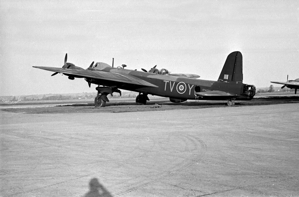 Short Stirling Bomber 01