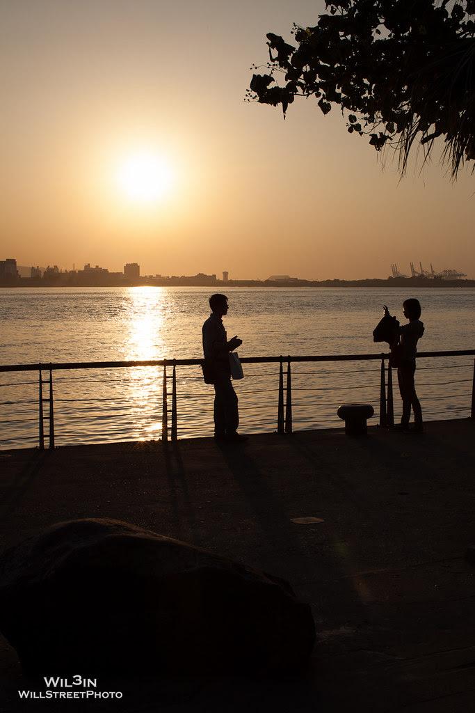 淡水、夕陽、河堤
