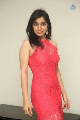 Sakshi Kakkar New Photos - 15 of 35