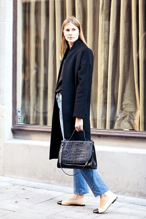 Le Fashion Blog Street Style Classic Cropped Jeans Chanel Cap Toe Flats Black Coat Croc Effect Satchel Fall Style Via Carolines Mode