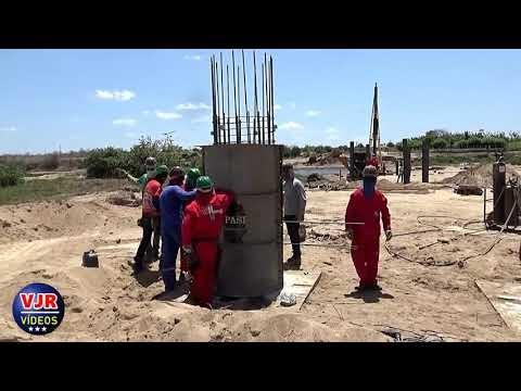 Prosseguem em ritmo acelerado as obras de construção da ponte sobre o Rio Acaraú, no distrito de Tapuio, em Cariré-CE